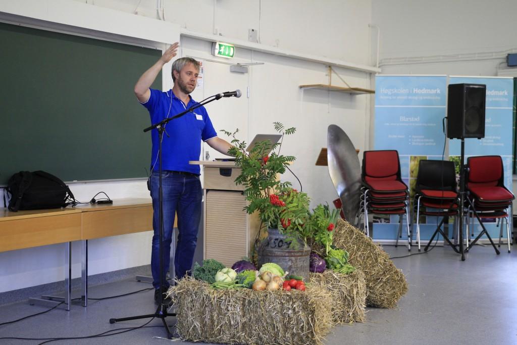 Åsmund Langeland holdt et matnyttig foredrag om klimaråd på gårdsnivå.
